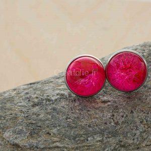 Boucles d'oreilles rondes roses et blanches sur support rond , diamètre de 16mm